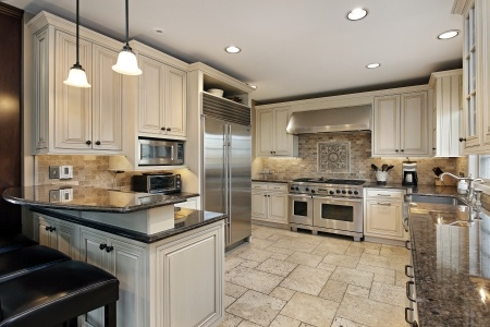 למה חשוב להשקיע בארון מטבח מעץ?