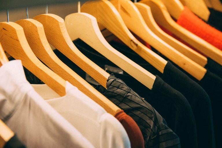 מתלה בגדים עומד