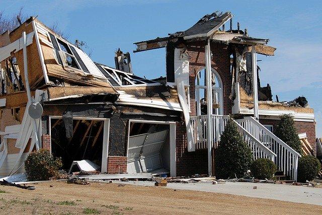 ביטוח נזקי אש לדירה – האם צריך לבקש את זה במיוחד?