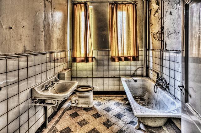 אריחי קרמיקה לאמבטיה